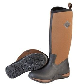 Muck Boots Women's Arctic Adventure Black/Tan are waterproof boots designed for women which come with Stretch-fit topline binding which snug around the calf to keep warm air in and cold air out.