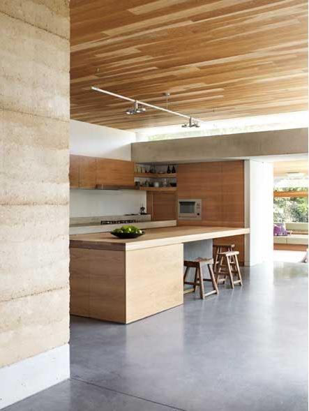 Jorge Hrdina Architects. Rammed Earth