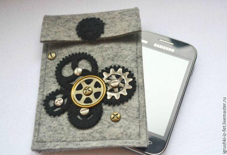 """Купить Чехол для телефона """"Мужские штучки"""" - темно-серый, чехол для телефона, чехол из фетра, из фетра"""