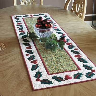 christmas table runner | Christmas table runner--holly border | Christmas Crafts