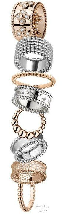 Visit Van Cleef & Arpels London Jewelers Americana Manhasset or call 516-627-4947 to speak to a store representative.