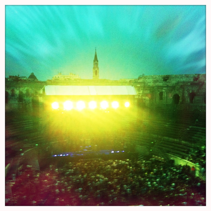 Close encounters in Nimes