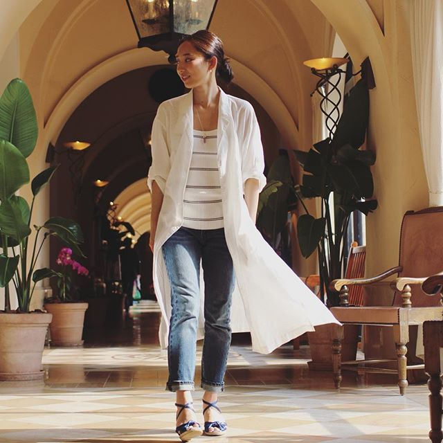 OOTD long shirt #uniqlo knit #uniqloandlemaire pants #inesxuniqlo sandles #opaqueclip 沖縄の暖かい気候で♡ #コットンリネンロングシャツ はちょうど良い羽織りに^ ^ 白シャツをさらりとって言うのが一生のテーマです✨ #uniqloginza #uniqloginza2016ss #ootd #Okinawa #longshirt #ines #全身uniqlo #ルメール #イネス #ユニクロ #locari #kurashiru #lin_stagrammer #ロングシャツ