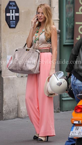 Blake Lively on Gossip Girl set