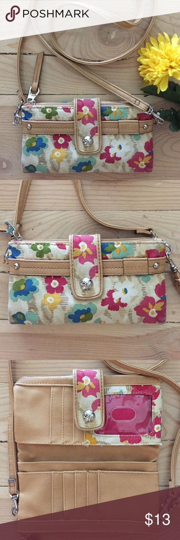 Relic Crossbody Wallet Adorable Relic crossbody wallet.  No flaws or stains.  In excellent condition. Relic Bags