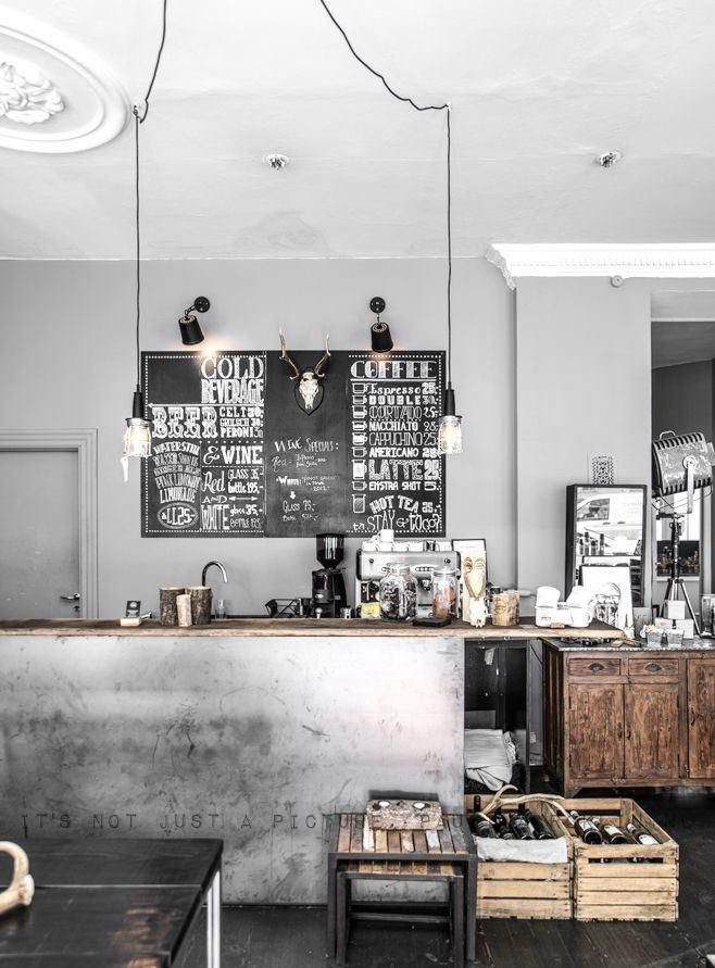 Visit and follow Vintage Industrial Style for more inspiring images and decor inspirations