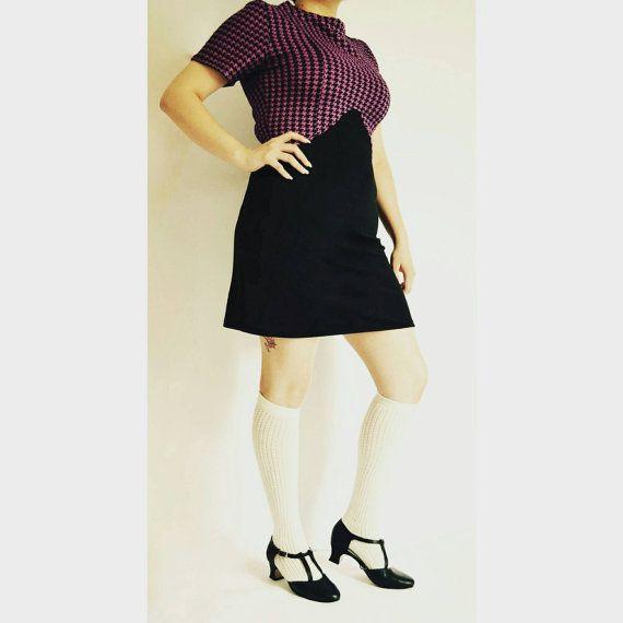 Morado y negro mini vestido años 60 vtg mod inspirado por BuzznFuzz