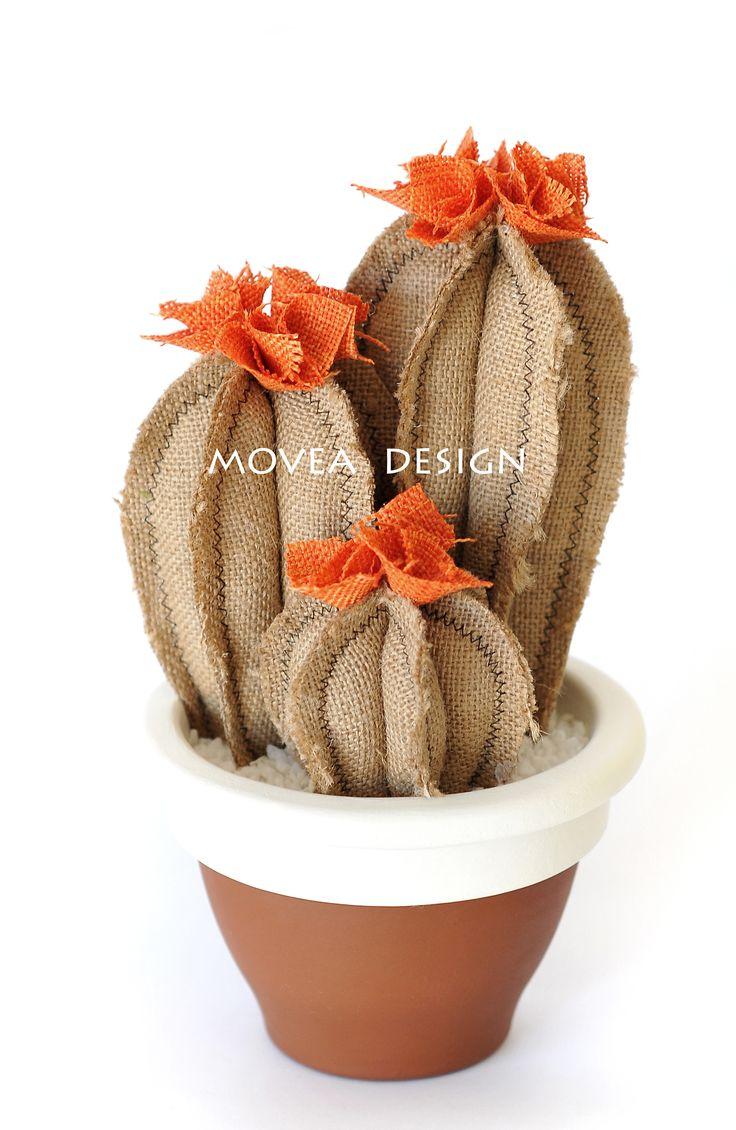 Movea, tris cactus artificiali, realizzati a mano. Vaso campana, diametro 14cm in terracotta, tessuto juta naturale. www.movea.it