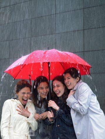 friends + a bit of rain = fun!
