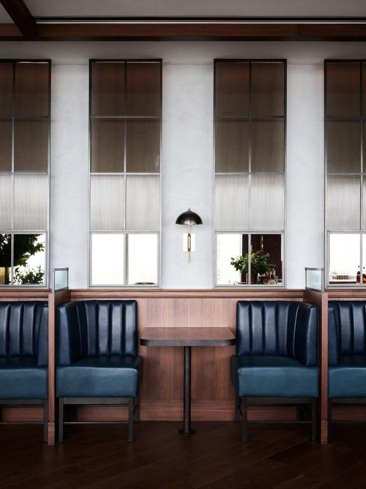 Das Sky-High Manhatta Restaurant von Woods Bagot nimmt Farben von außen auf