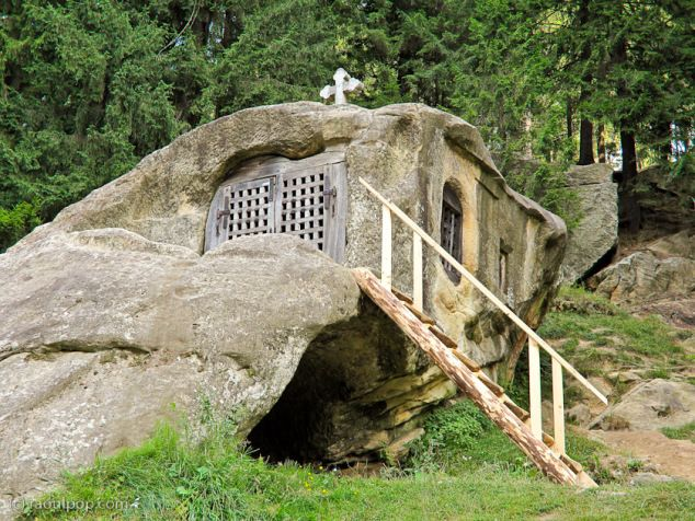 cave of a famous hermit called Daniil Sihastrul, who figures prominently in the history of the provinces of Moldova and Bucovina. He was the spiritual advisor of Stefan cel Mare, one of Romania's great rulers.-bucovina