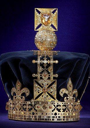 DeBeers: Debeer, Queen Elizabeth, Beer Diamonds, Crowns Jewels, Royals Jewels, London Fashion, Crowns Glories, Diamonds Jubilee, The Bear