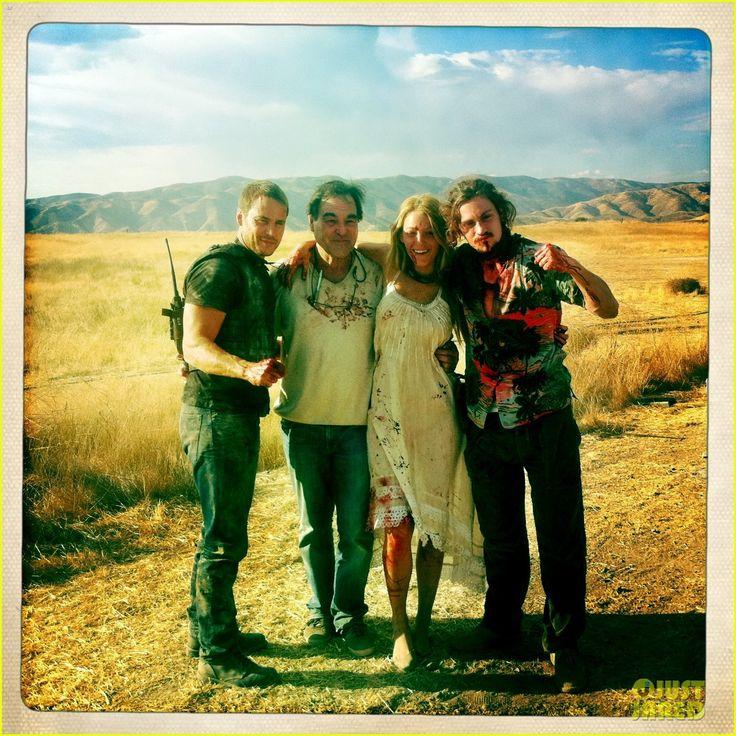 Taylor Kitsch, Oliver Stone, Blake Lively, Aaron Johnson.