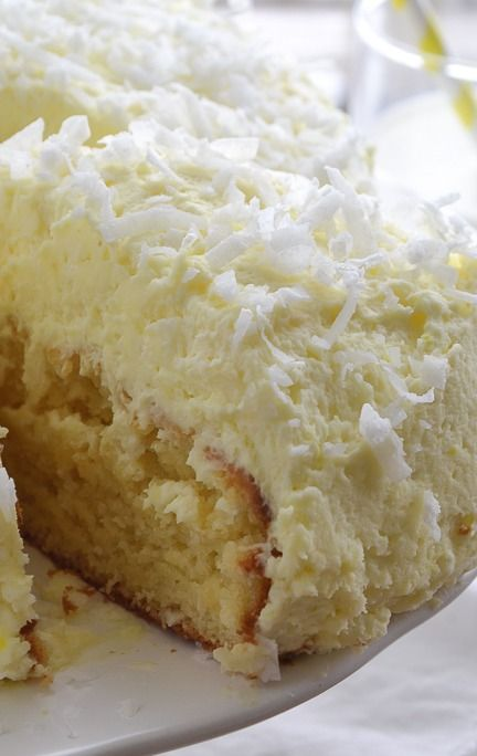 Coconut Cream Cake with Coconut Cream Frosting: Desserts, Frostings Recipe, Food, Coconut Cream Cakes, Coconut Cakes, Mothers Thyme, Yummy, Serious Yum, Coconut Cream Frostings
