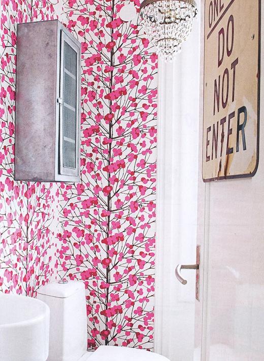 Pretty wallpaper in the bathroom. #wallpaper #bathroom