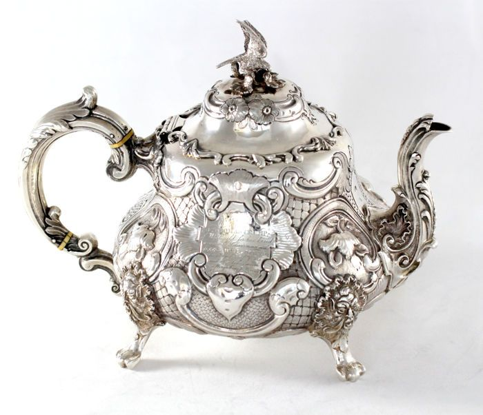 узоры викторианской эпохи на чашке фото больше этой