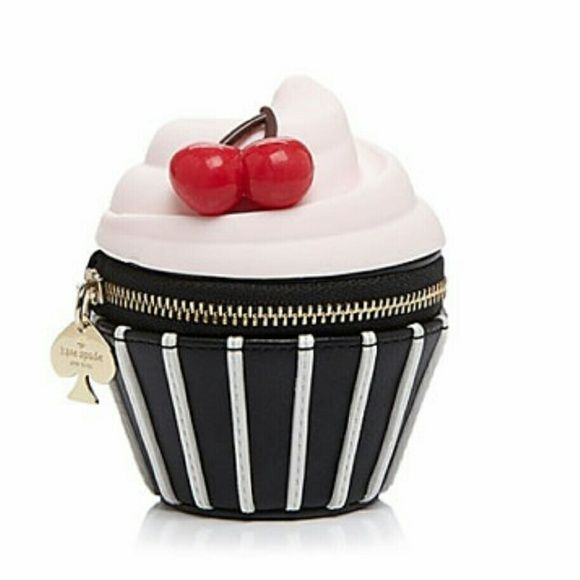 SOLD on M. Super cute and adorable coin purse! Actual photos will come soon. Just a fun piece to have or to make the set if you already have the matching cupcake purse.