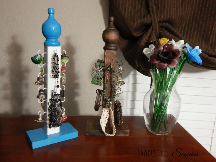 DIY Woodworking Ideas DIY Jewelry Stand10
