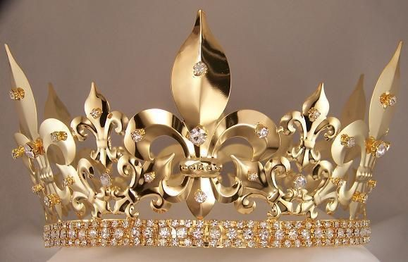 MEN'S IMPERIAL MEDIEVAL FULL GOLD KING CROWN Finally a crown truly fit for a king, this extraordinary crown measures 4.5 inches tall and 7 inches wide, with the brilliant rhinestones running completel