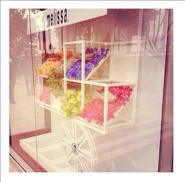 Vitrina diseñada para Melissa Colombia en su colección We Are Flowers SS'14