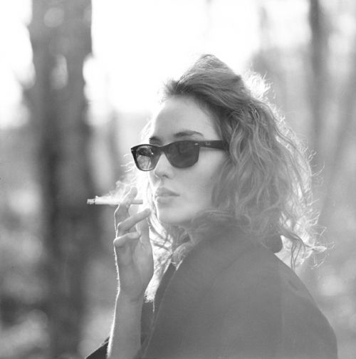 parisienne: Cigarette, Ray Bans, Girl, Style, Smoking, Beauty, Hair, Smoke, Photography