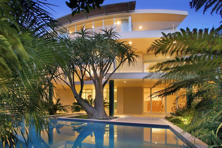 Woodside House, view with pool