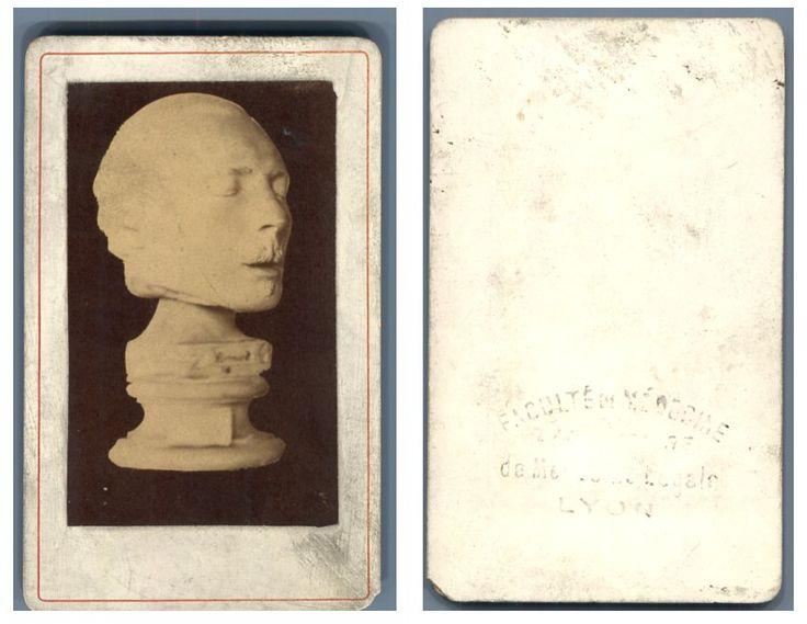 Masque mortuaire, faculté de médecine de Lyon    #CDV #varia_CDV