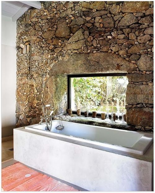 PROZOR U DOM – Kućica iz snova – rustikalna kuća u Portugalu: Bath Tubs, Rocks Wall, Stones Wall, Rustic Bathroom, Bathtubs, Bathroom Wall, Dreams Bathroom, Beautiful Bathroom, Natural Stones