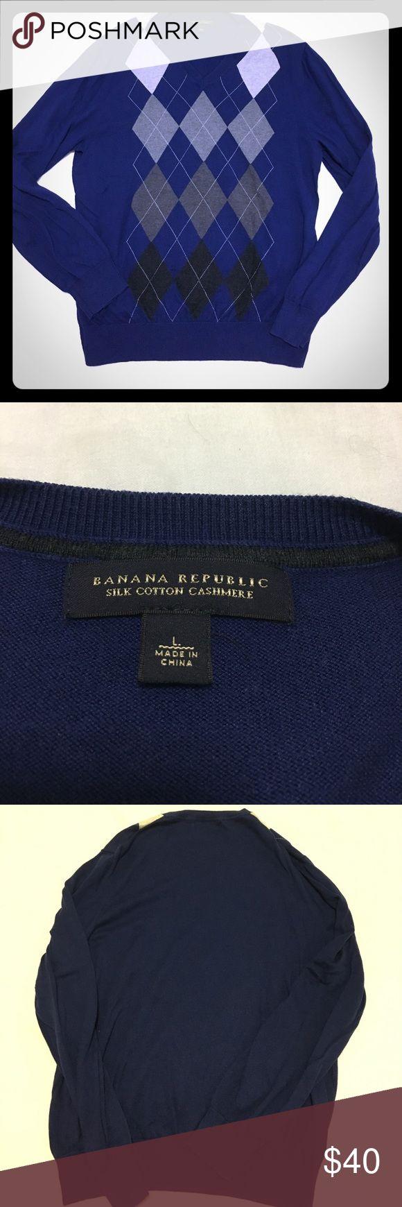 Men's Banana Republic blue argyle cashmere sweater Men's Banana Republic blue argyle cashmere sweater size large. Banana Republic Sweaters Turtleneck