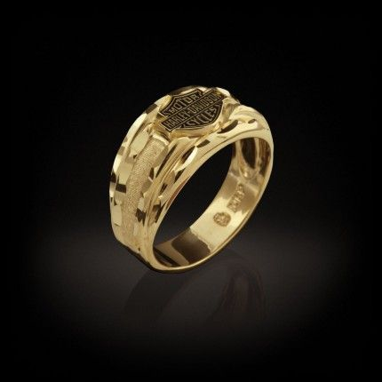A frosty finish and diamond cutting make any man a trend setter in this 10 karat gold ring.