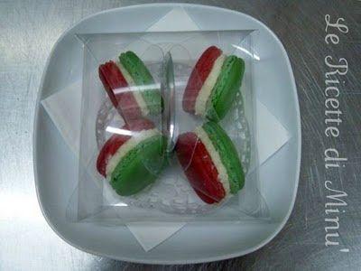 Il Goloso Mondo di Minu': Finalmente sono una pasticcera diplomata!!! E macarons tricolore!