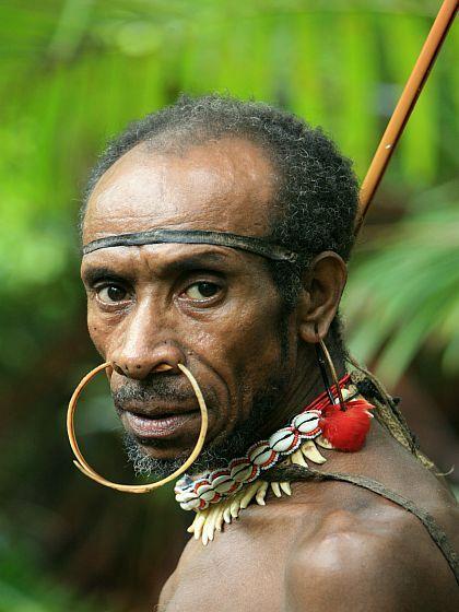 Papuans (Melanesia) : Kombai tribe