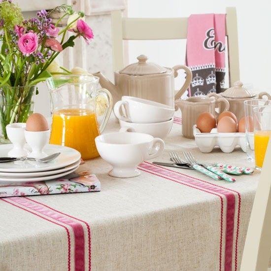 Küchen Küchenideen Küchengeräte Wohnideen Möbel Dekoration Decoration Living Idea Interiors home kitchen - Land Frühstückstisch