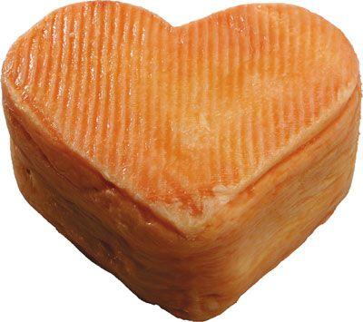 Le Cœur d'Arras Une croûte orange à l'odeur marquée (normal, c'est un fromage à croûte lavée), et un cœur doux et subtil: ce fromage est dégusté chaque année lors de la Fête des Rats à Arras, lors de la Pentecôte. Lors de cette fête qui commémore la prise par les Français d'Arras, alors espagnole, tout est en effet en forme de cœur, comme le pain d'épices.