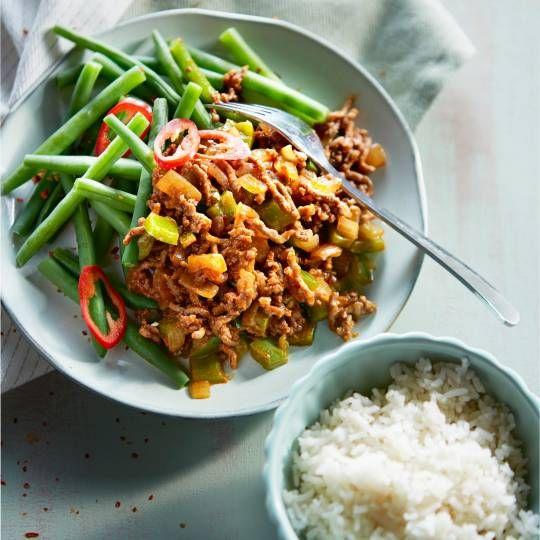 Met meer dan 200 gram groenten p.p. Recept -  Gehaktgoulash met rijst en boontjes - Boodschappenmagazine