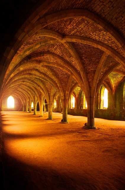 Sunrise at Fountains Abbey - glorious Yorkshire
