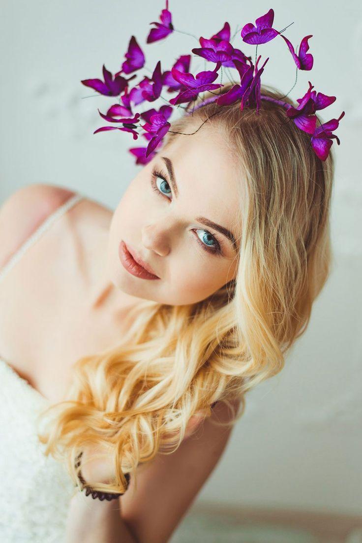 Accessori per capelli con bellissime farfalle dipinte a mano per acconciature da regina delle fiabe