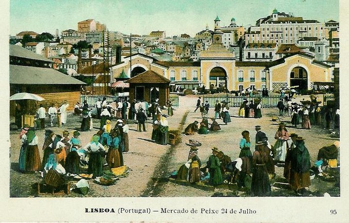 Old fish market Lisbon, colored photographic postcard. Photographer unknown, early 1900's.