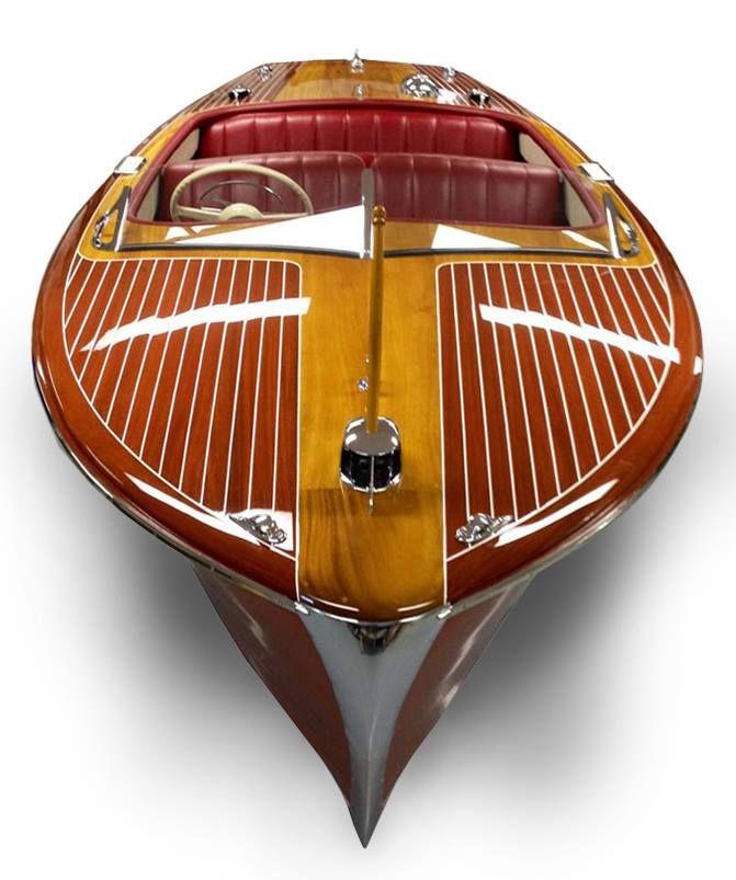 1952 Chris Craft 18 ft Riviera........at Katz Marina !  Stunning !
