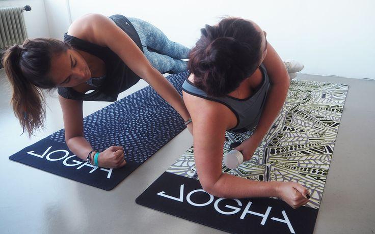 Ben jij je motivatie kwijt en vind je alleen sporten stom? Met deze 10 couple workout oefeningen haal je het meeste uit je workout. Samen met je BFFF!