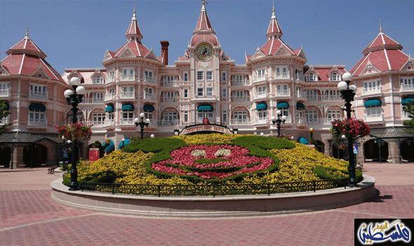 استعيد طفولتك من جديد بقضاء عطلة سعيدة في Tokyo Disneyland: صُمم هذا الفندق على شكل مدينة ديزني إلا أن أغلب نزلائه من البالغين، وتتكلف…