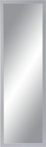 Moderner Spiegel mit silbernem Rahmen - ein cooler Blickfang