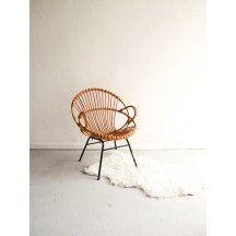 Fauteuil coquille en rotin vintage d'occasion #fauteuil #coquille #rotin #occasion #assise #chic #rétro