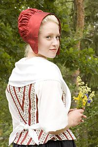 Patterns and info on making coifs, mainly for 18c, but the look of them seems more timeless.
