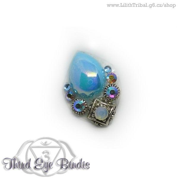 Scarabeus – tribal bindi (light blue) To purchase, visit my store #tribalbindi #americantribalstyle #tribalstyle #tribalfusion #tribalbellydance