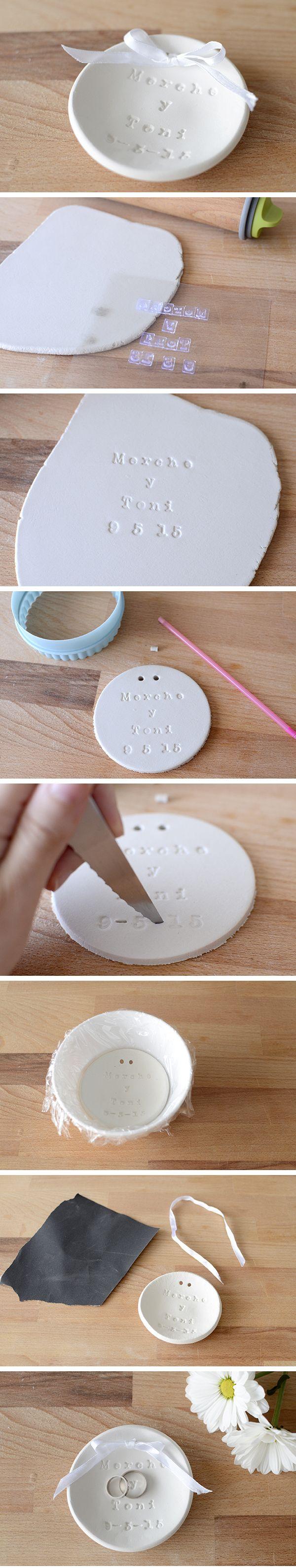 DIY: wedding ring dish with air dry clay - DIY: platito porta-alianzas con pasta de modelar                                                                                                                                                                                 Más
