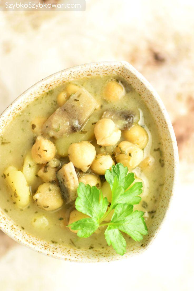 Zupa ziemniaczana z ciecierzycą i lubczykiem ogrodowym.