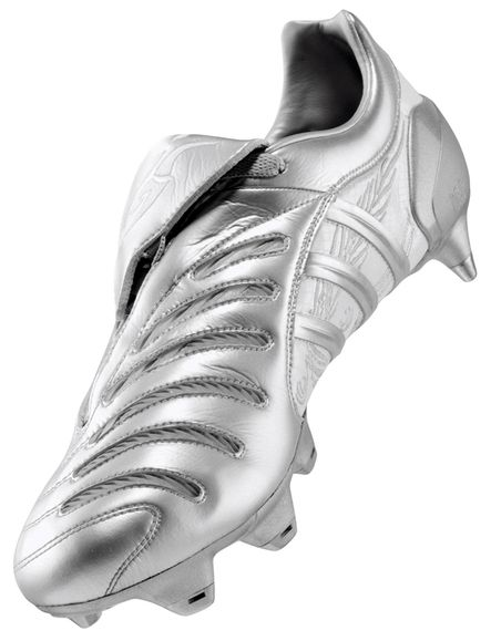 Adidas Predator Pulse Dragon by Sonny Lim, via Behance