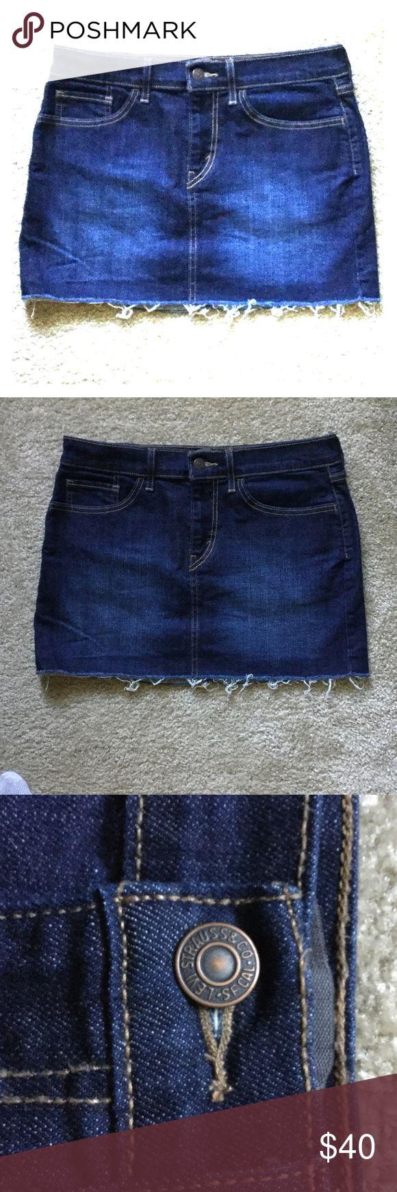 ❤️PRICE DROPPED 🎉Mini Levi Skirt 💙 Never Worn 💙 Levi Jeans Mini Skirt. Super Cute. 13 Inches from Waist to Hem. Levi's Skirts Mini