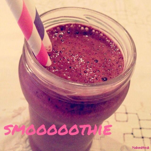 Mættende, mælkefri smoothie med blåbær og broccoli